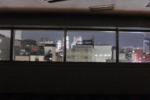 17.新宿2丁目社長室スタジオ|窓から夜景
