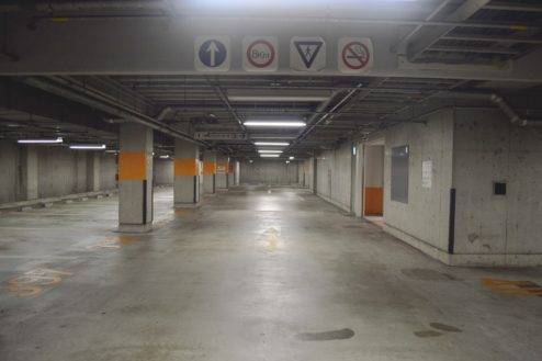 1.タイムズ東京ドーム地下駐車場|駐車場内