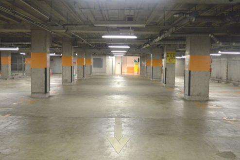 7.タイムズ東京ドーム地下駐車場|駐車場内
