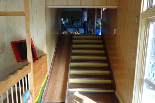11.保育園|室内階段・滑り台