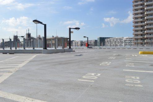 3.赤羽駅西口駐車場|屋上駐車場中央分岐