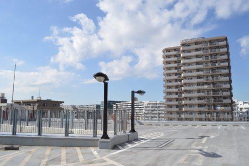 4.赤羽駅西口駐車場|屋上駐車場中央分岐