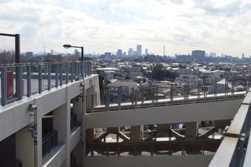 12.赤羽駅西口駐車場|屋上駐車場橋渡し動線