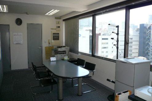 2.新宿3丁目オフィススタジオ|オフィス・窓側