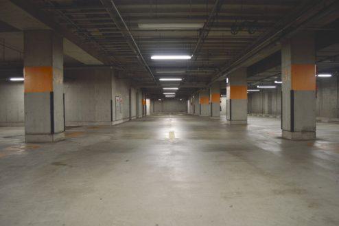 4.タイムズ東京ドーム地下駐車場|駐車場内