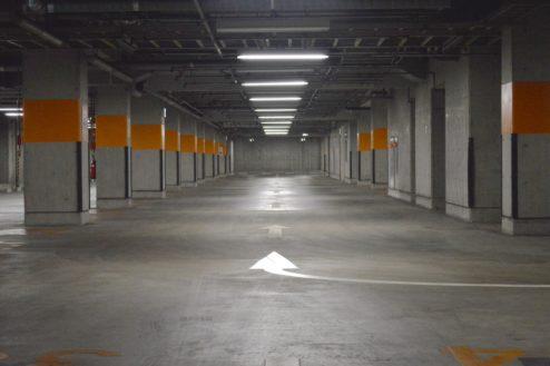 6.タイムズ東京ドーム地下駐車場|駐車場内