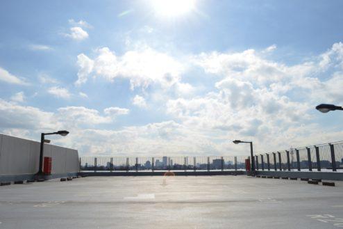 3.赤羽駅西口駐車場|屋上駐車場ビル側
