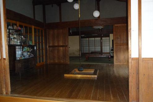 8.流山の民家|囲炉裏から和室