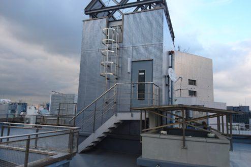 7.高商新宿二丁目スタジオ屋上