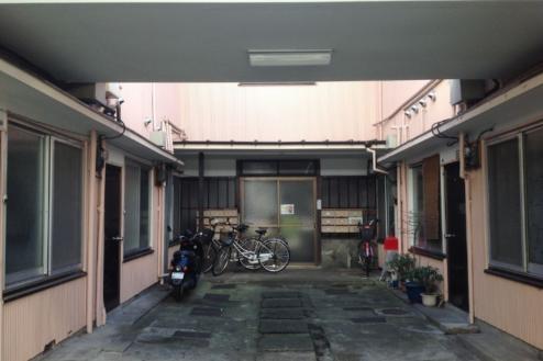 6.アパート1 外観正面