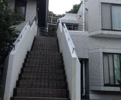 14.マンション1|外観・階段