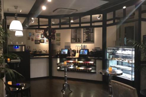 3.カフェ1(自社スタジオ&セット)|店内