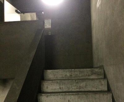 15.倉庫1 階段