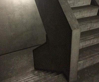 16.倉庫1 階段