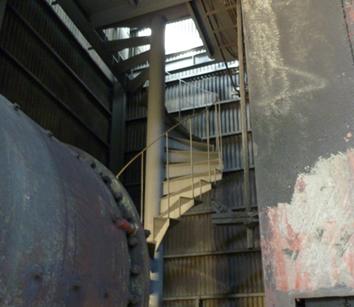 18.倉庫1|螺旋階段