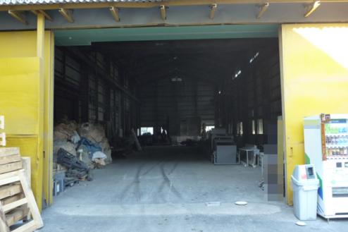2.倉庫1 倉庫入口