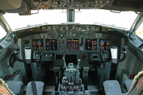 2.飛行機スタジオ(モックアップ) コックピット