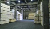 倉庫1|広い 倉庫・階段・重機