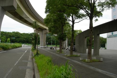 3.複合施設1|施設前道路