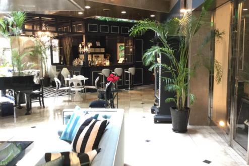 8.カフェ2|室内