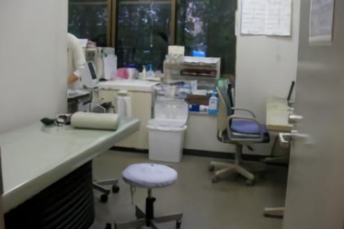 病院|小規模|診察室・待合室・廊下・駐車場