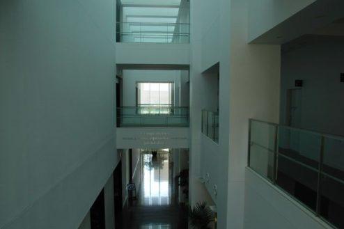 Q病院2 渡り廊下