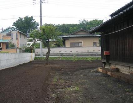 I農家の一軒家|建屋周囲の田畑