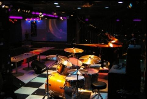 9.新宿グラムシュタイン|ドラムセット