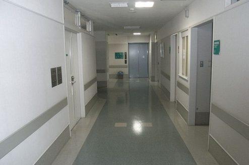 3.病院3|廊下