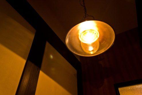 F玉響カフェ(たまゆらかふぇ) 店内照明