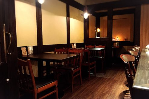 D玉響カフェ(たまゆらかふぇ) 店内テーブル席