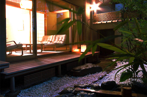 H大月ホテル和風館|客室縁側