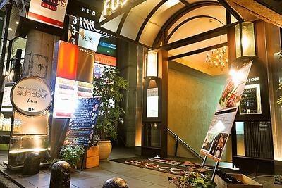 JレストランSidedoorヒシオ|エントランス