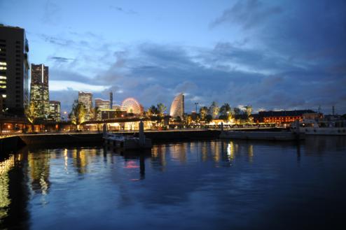 9.埠頭5|桟橋ナイト・赤レンガ倉庫、みなとみらい方向