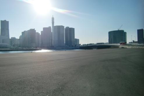 4.埠頭1|広いスペース(海側)