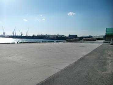 埠頭2|対岸も埠頭・長い直線のストローク