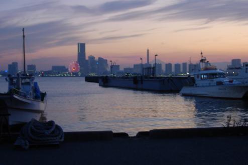5.埠頭3|桟橋付近・みなとみらい方向夕景
