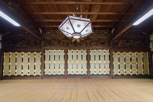 A順徳寺|広い本堂内