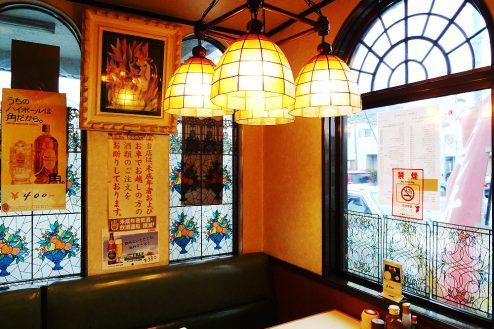 5.街の小さな洋食屋さん|店内・アンティークな装飾