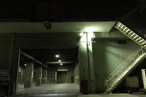 10.倉庫2|倉庫外から倉庫内・ナイト