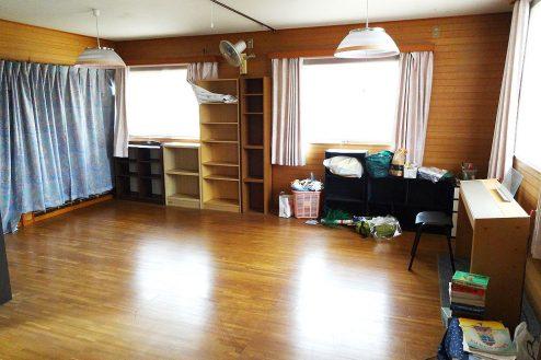 13.庭付き日本家屋|2F洋室・小型ピアノあり