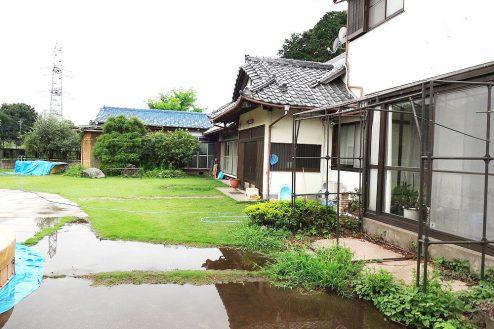 17.庭付き日本家屋|外観(横から)・手前サンルーム