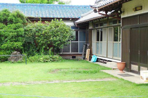 18.城の埼の民家|縁側前スペース