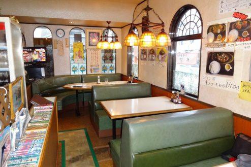 2.街の小さな洋食屋さん|店内・テーブル席