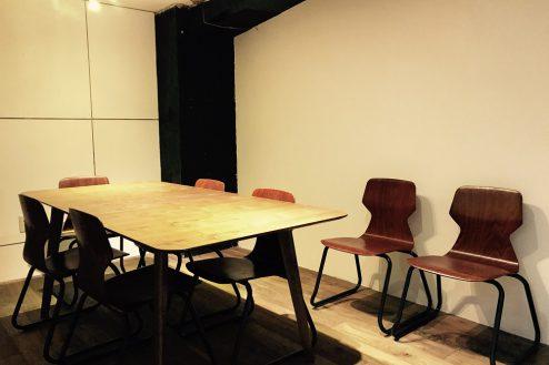 9.cafeイベントスペース|店内・ミーティングルーム(半個室)