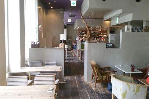 7.銀座カフェ|店内中央方向