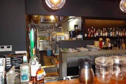 10.麻布十番イタリアンラウンジ|バーカウンター・厨房