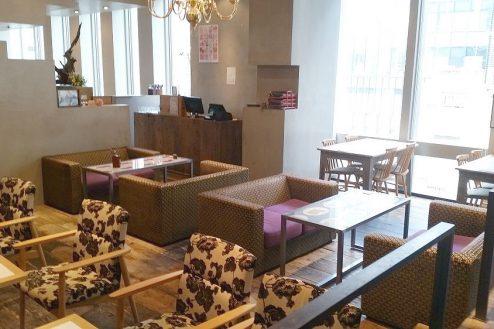 2.銀座カフェ|店内・バーカウンター側中央方向