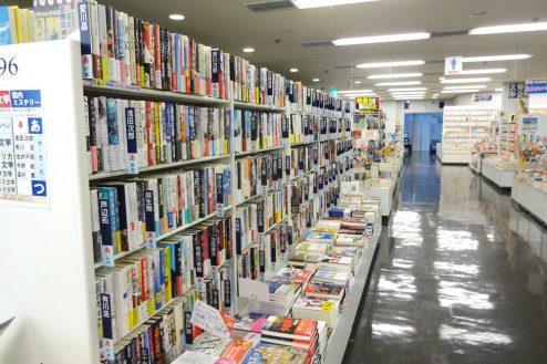 4.八重洲ブックセンター|売り場・書棚