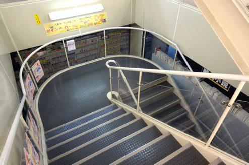 15.八重洲ブックセンター|階段
